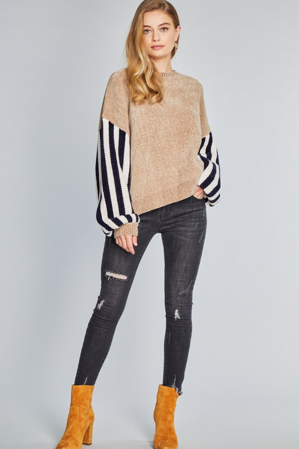 RAGLAN SLEEVES SWEATER