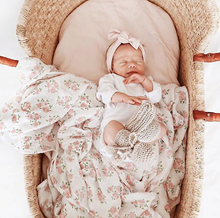 Load image into Gallery viewer, Baby Moses Basket - Natural with Tan Handles