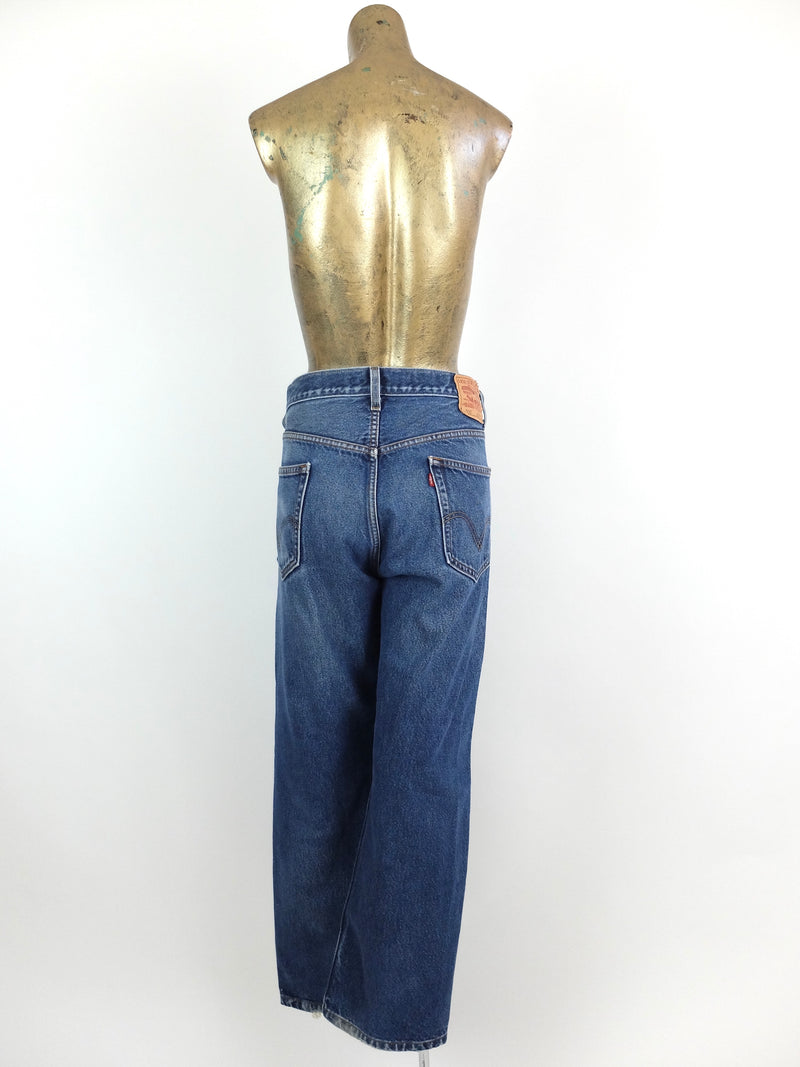 2000s Levi's 505 Regular Fit Blue Denim Distressed High Waisted Straight Leg Jeans