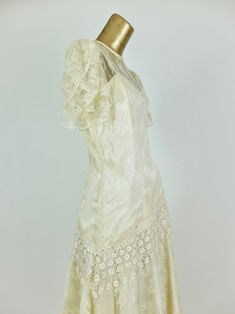 70s Romantic Cream Floral Lace Ruffled Asymmetrical Maxi Wedding Dress