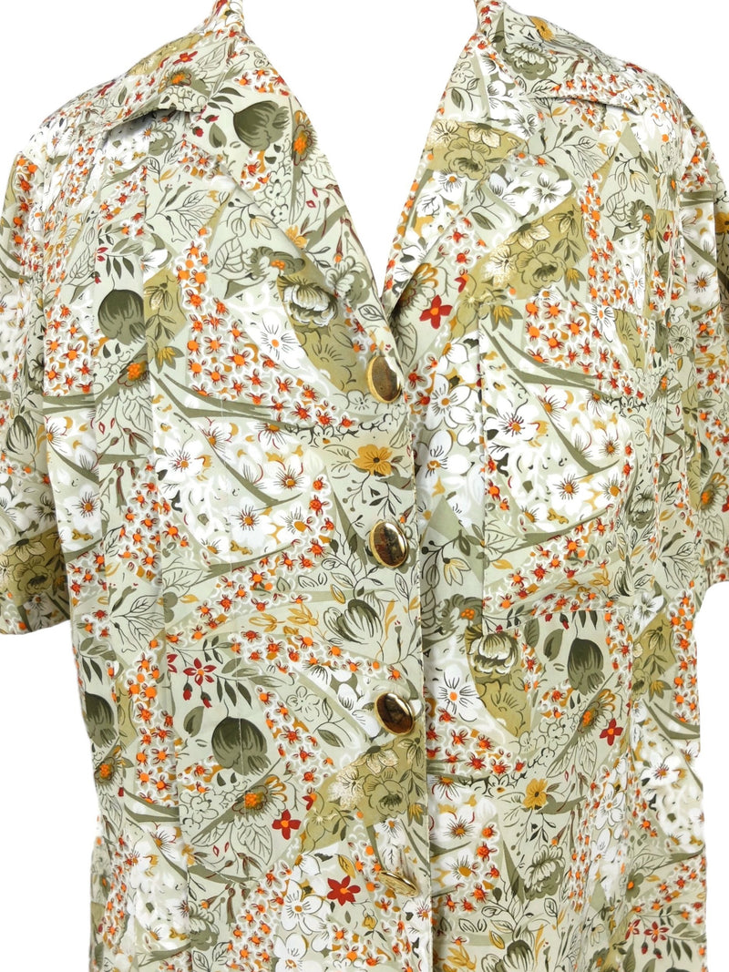 Vintage 70s Mod Romantic Bohemian Floral Front Pleated Collared Half Sleeve Button Up Blouse with Gold Statement Buttons