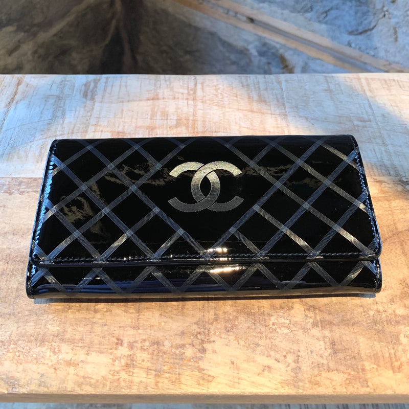 Chanel Black Patent Textured Hologram Check Long Wallet
