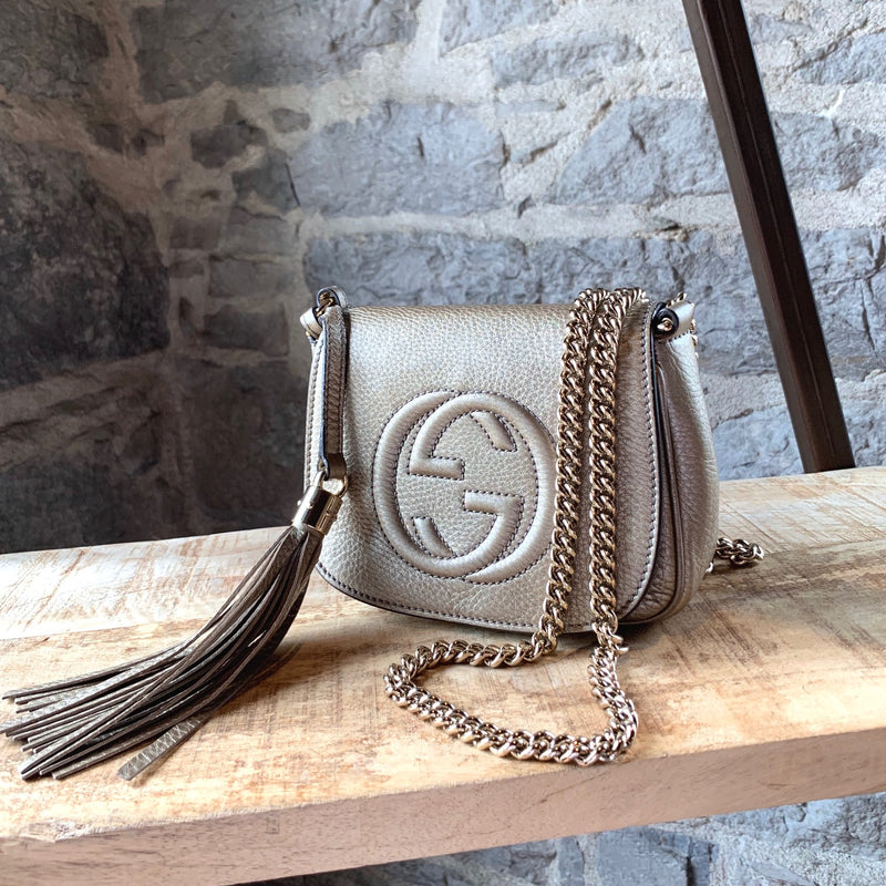 Gucci Metallic Gold Pebbled Leather Soho Chain Crossbody Bag