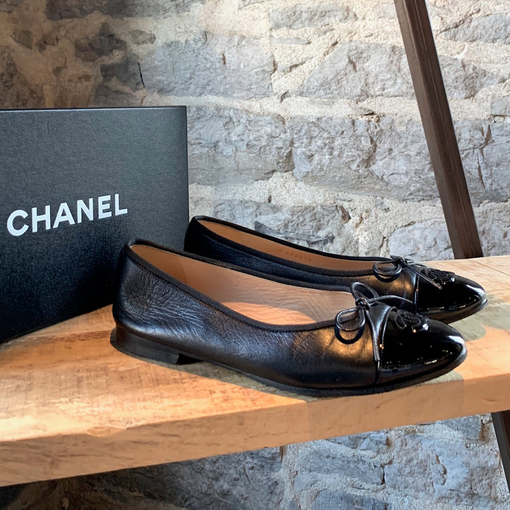 Chanel Black Leather CC Cap-toe Ballet Flats