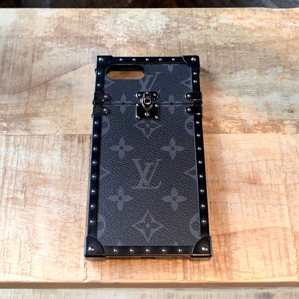Louis Vuitton Monogram Eclipse Eye Trunk for iPhone 7+ Case