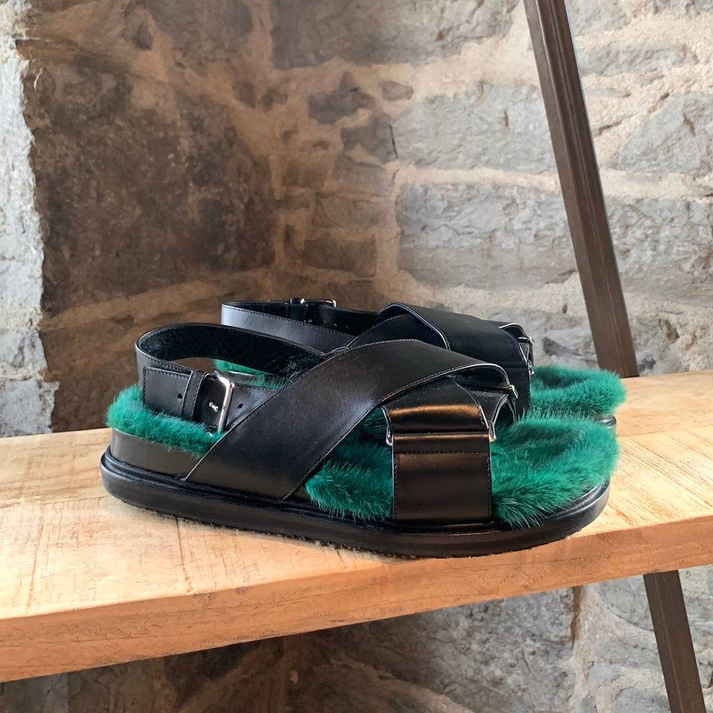 Marni Green Mink Fur Black Leather Fussbett Sandals