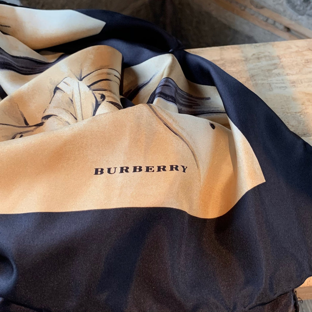 Burberry Beige Trench Coat Iconic Check Printed Silk Scarf