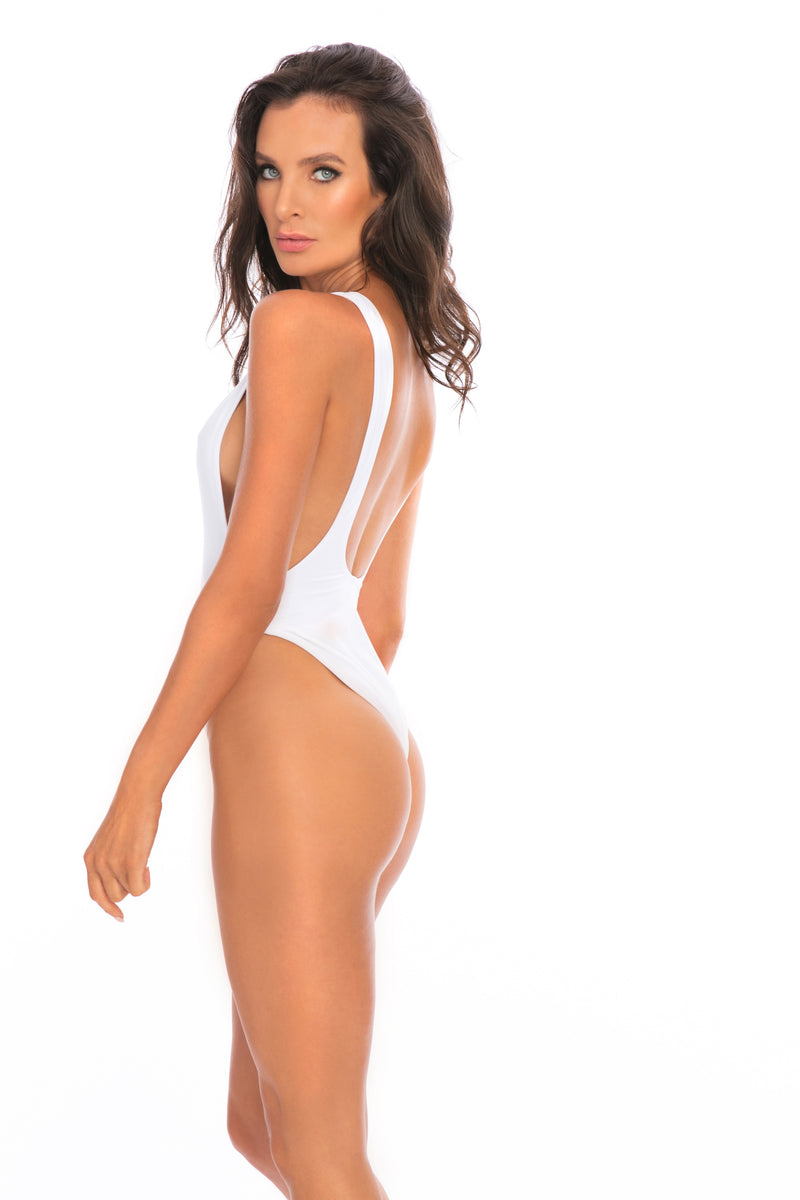 ONE PIECE - Pamela White One Piece Swimsuit