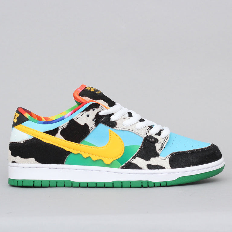 Nike SB Dunk Low Pro QS Shoes White / University Gold - Lagoon Pulse - Black