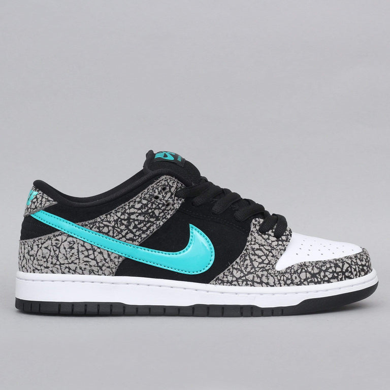 Nike SB Dunk Low Pro Shoes Medium Grey / Clear Jade - Black - White