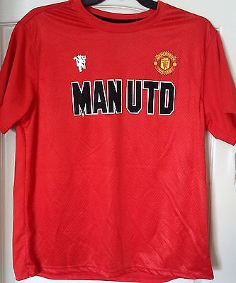 Manchester United Men's Red Tee Shirt - Size XL - Licensed Product - Teammvpsports