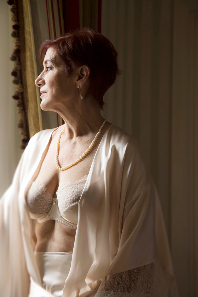 Experiencing a lingerie boudoir shoot as an older woman
