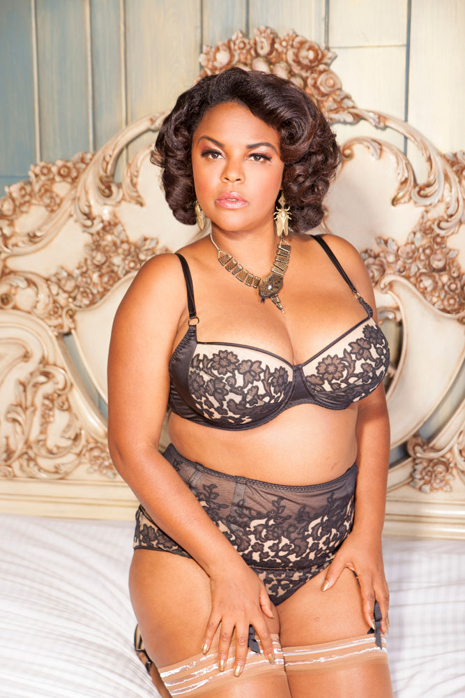 Jenny Rieu curve pinup model Harlow & Fox collaboration