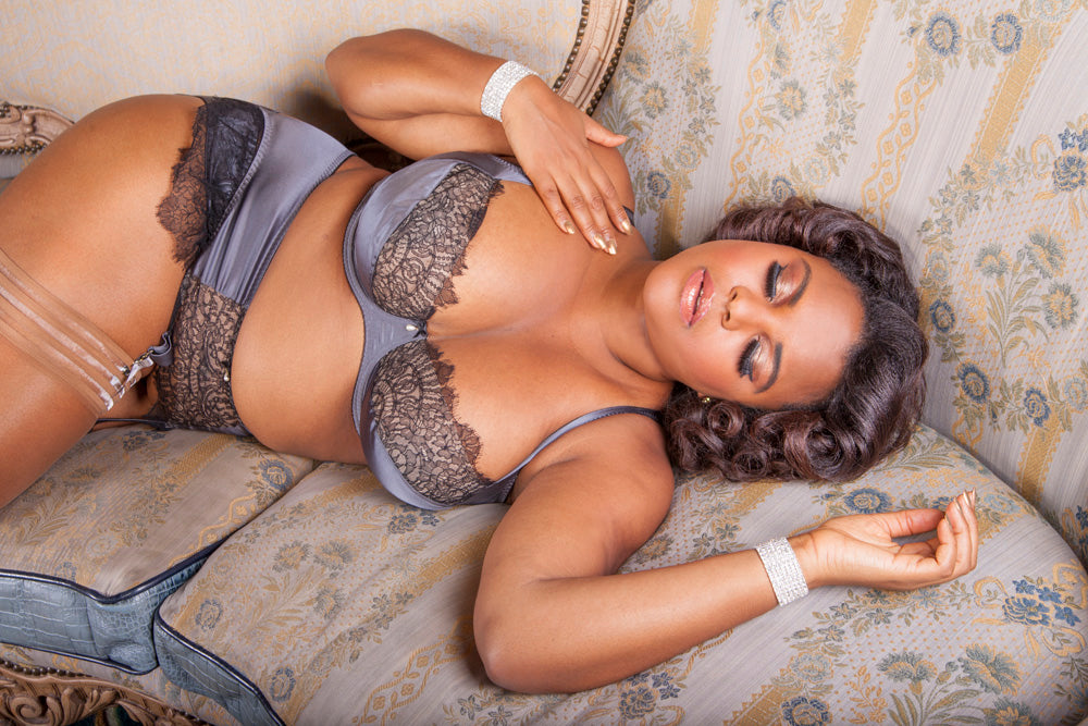 Jenny Rieu curve pinup model Harlow & Fox lingerie collaboration