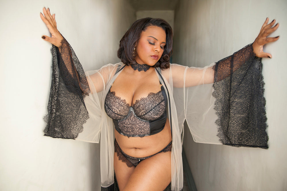 becf9e243f5 Jenny Rieu Pin Me Up review, Harlow & Fox Viola Jet luxury DD+ lingerie
