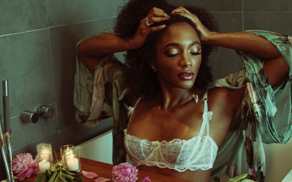The Lingerie Addict bathtub luxury shoot