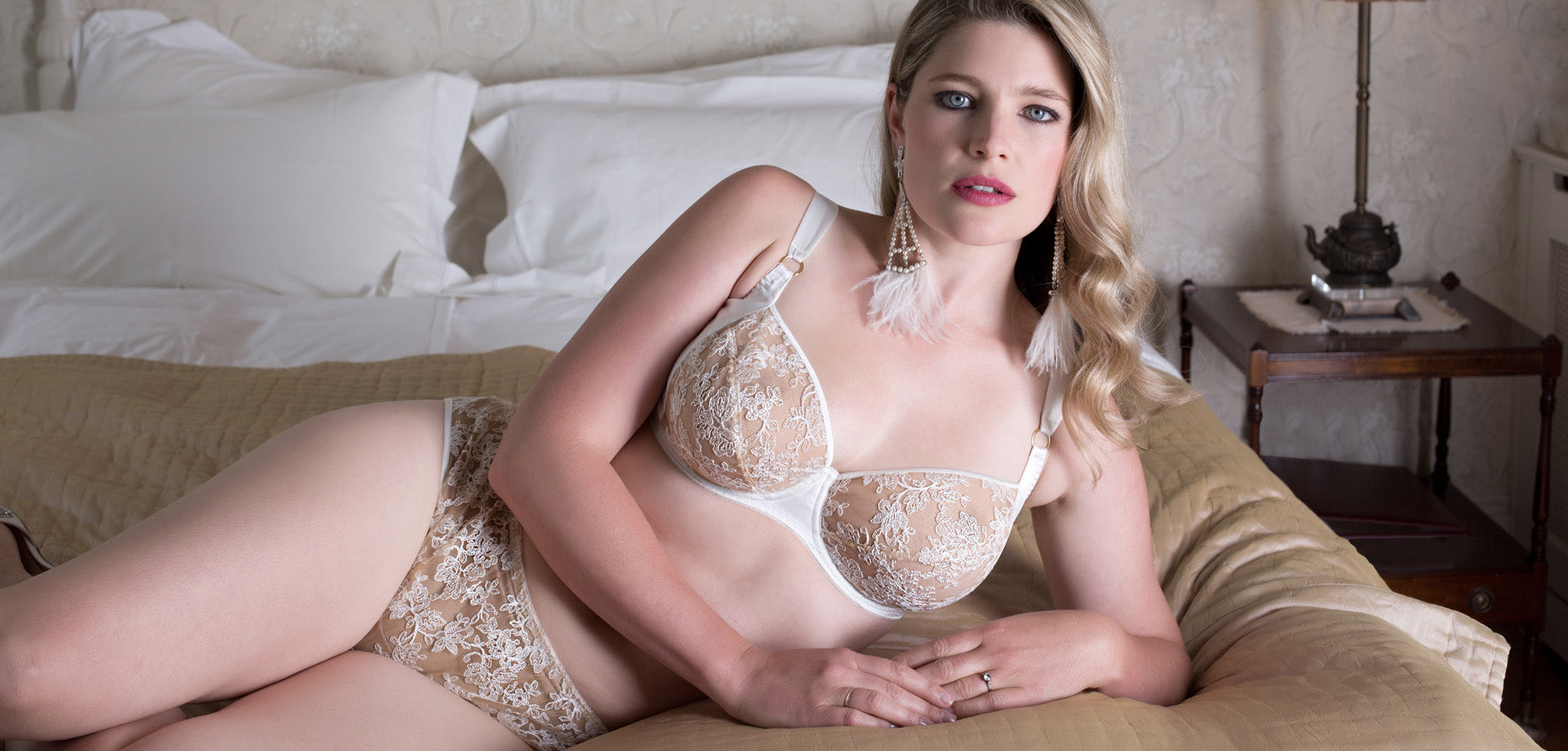 FF bra size lingerie, in ivory silk and embroidery