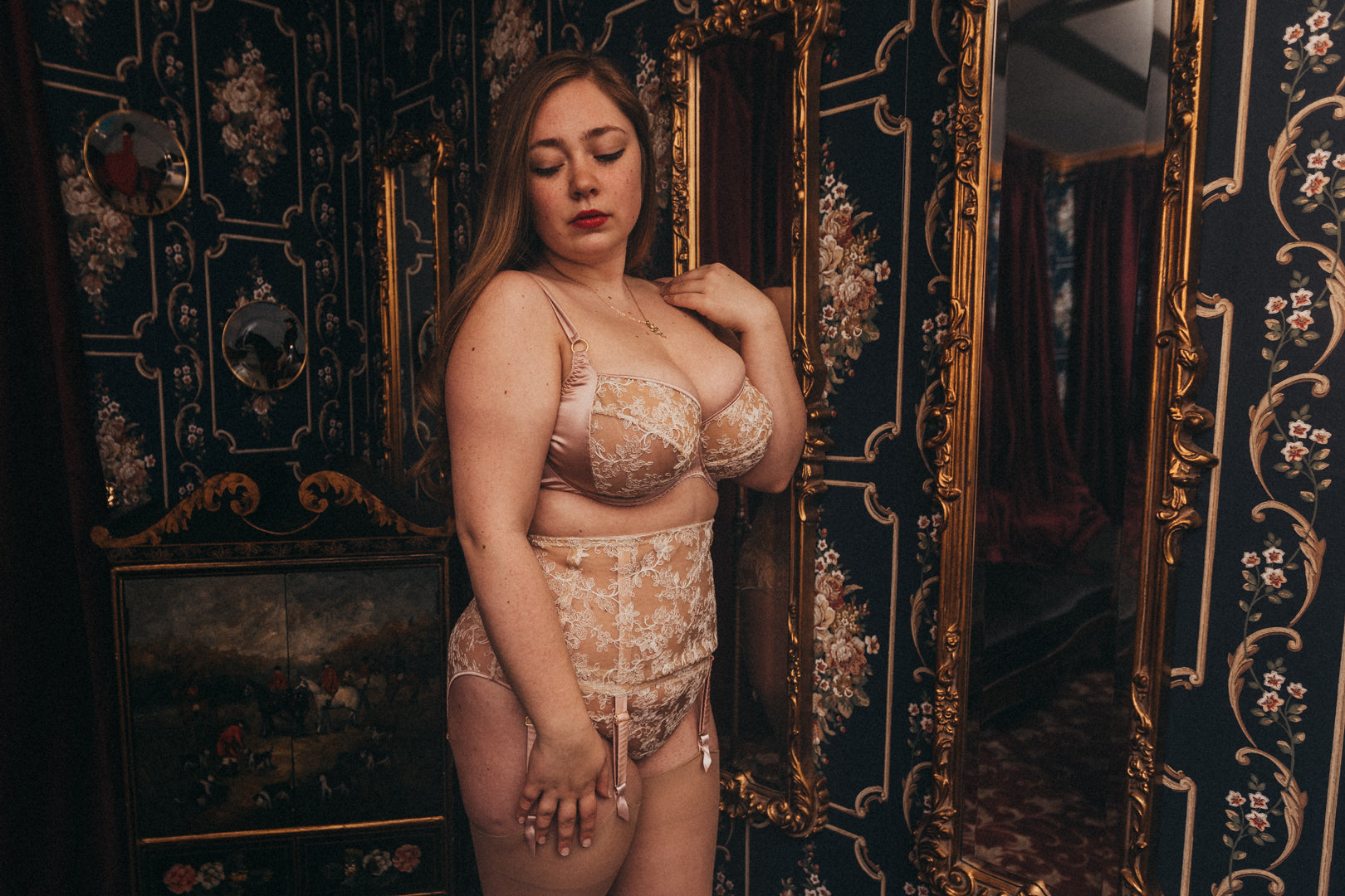 d70efd95d03 Rose Juniper Wears the Serena Rose Collection | Harlow & Fox