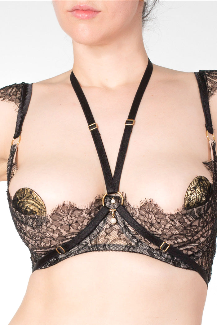 Aurora luxury elastic strapping harness with pearl and gold O ring