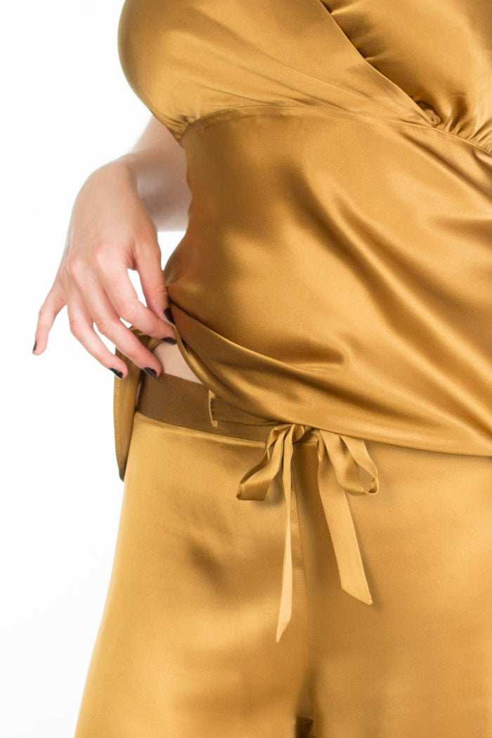 Evelyn Amber gold silk luxury pyjamas detail