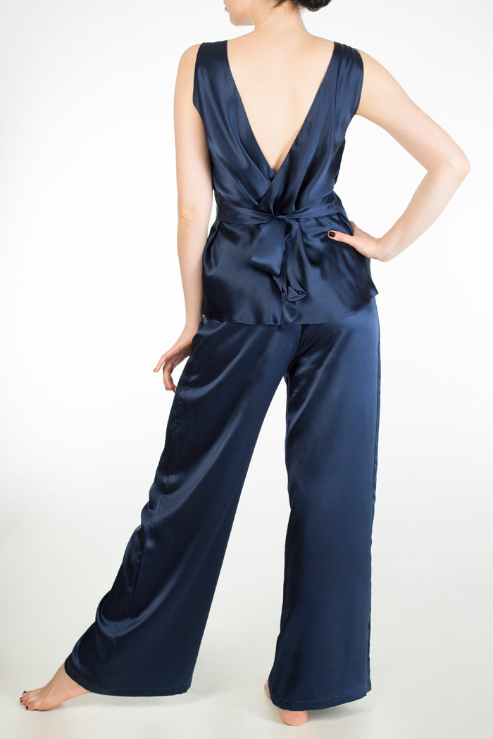 Evelyn Midnight extra tall silk pyjama set