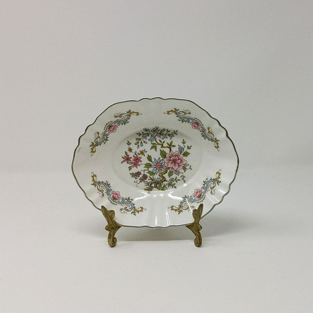 Paragon Fine Bone China Majesty The Queen Dish