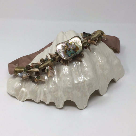 Vintage Carolyn Tanner Designs Ladies Belt With Mother of Pearl Embellishements