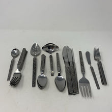 Load image into Gallery viewer, Riviera Stainless Monterey Scroll Flatware ( 34 Pieces)