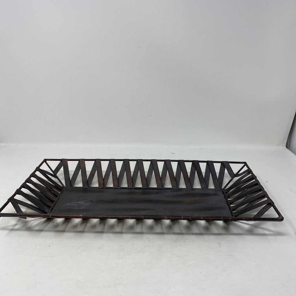 Metal Ribbon Tray
