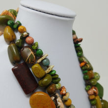 Load image into Gallery viewer, Chunky Triple Strand Stone Necklace