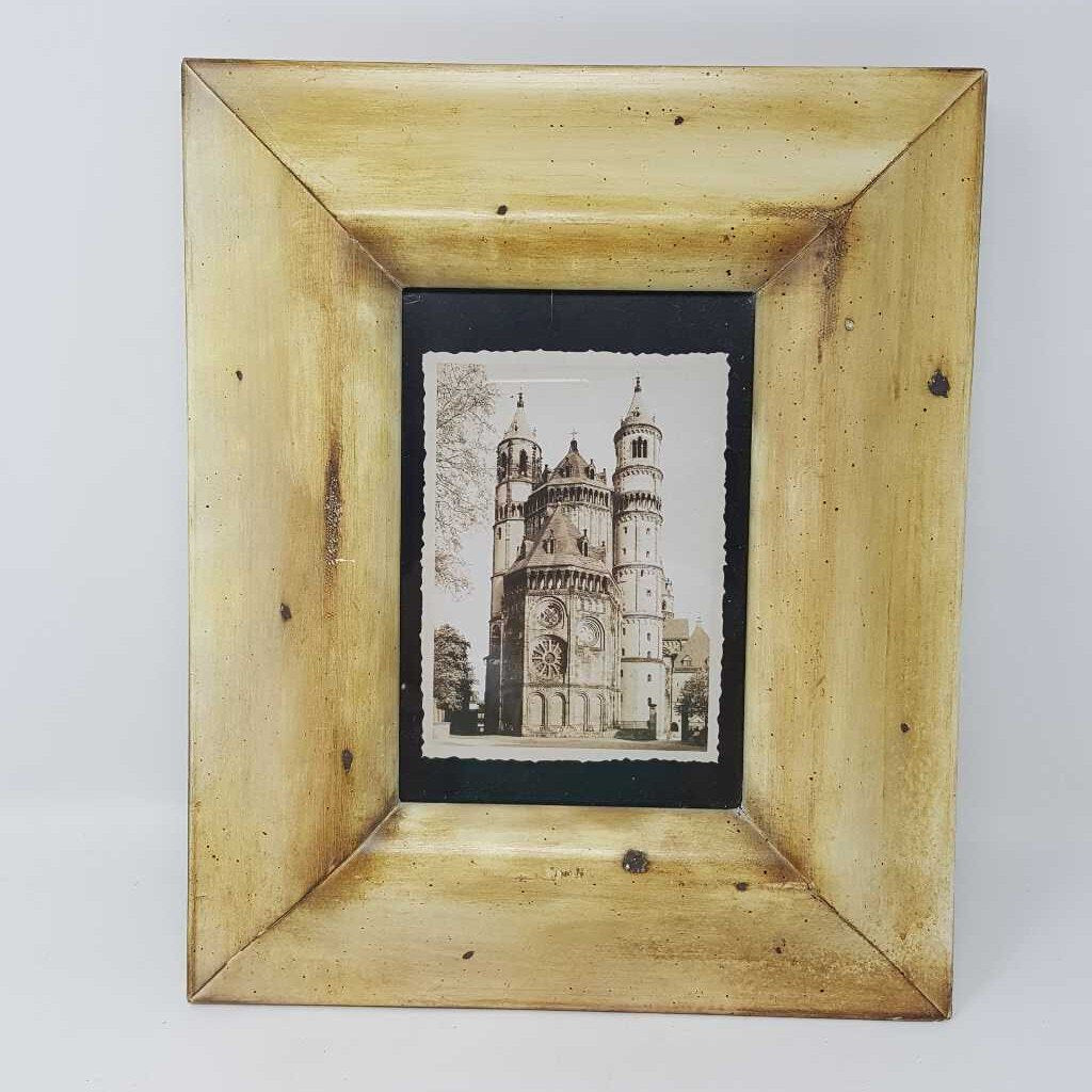 B/W Architectural Towers In Vintage Style Frame