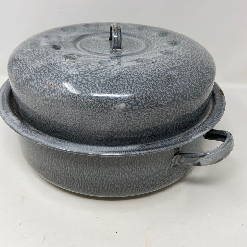 Gray Enamel Baking Roasting Pot with Lid