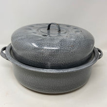 Load image into Gallery viewer, Gray Enamel Baking Roasting Pot with Lid