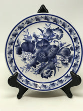 Load image into Gallery viewer, Blue & White Floral Plate