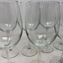 Load image into Gallery viewer, 8 White Wine Glasses