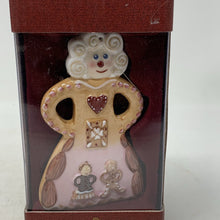 Load image into Gallery viewer, Villeroy and Boch Gingerbread Ornament