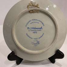 Load image into Gallery viewer, M. J. Hummel Collector's Plate- 1973