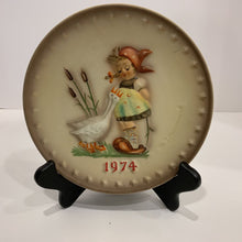 Load image into Gallery viewer, M. J. Hummel Collector's Plate- 1974