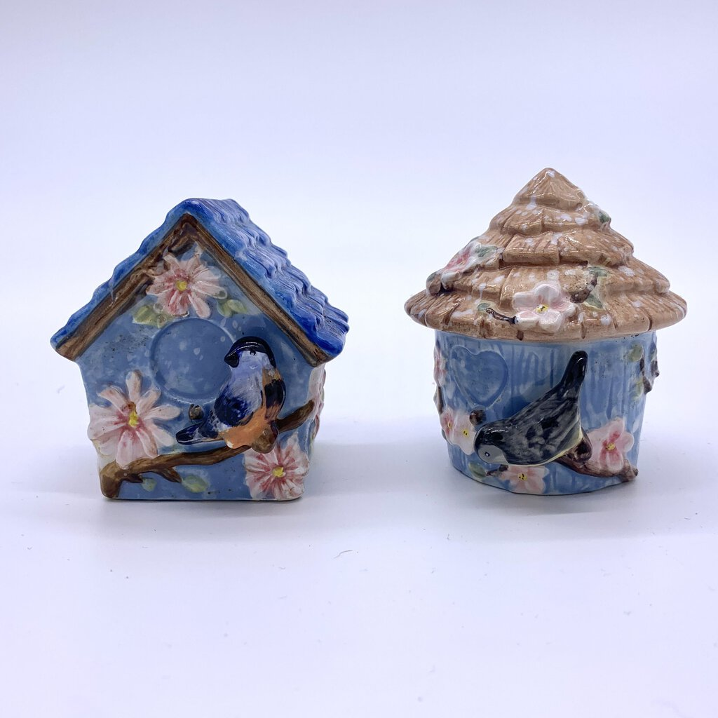 Summer Living Birdhouse Salt and Pepper Shakers