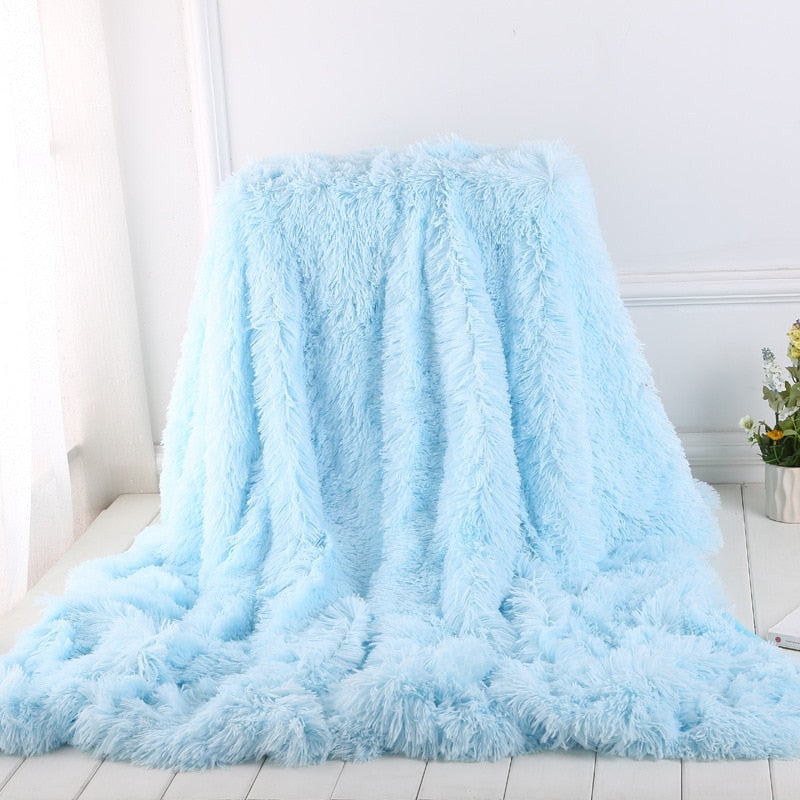 Luxury Plush Faux Fur Throw Blanket, Long Pile Black Throw Blanket, Super Warm, Fuzzy, Elegant, Fluffy Decoration Blanket Scarf for Sofa, Armchair, Couch and Bed