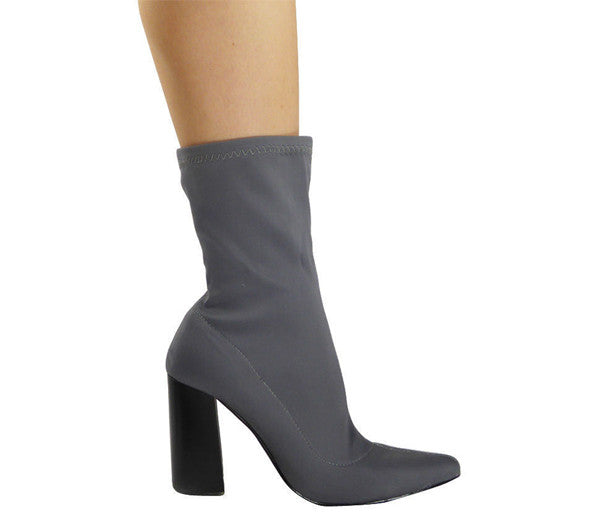 Oriana Grey Lycra Pointy Ankle Boots S480