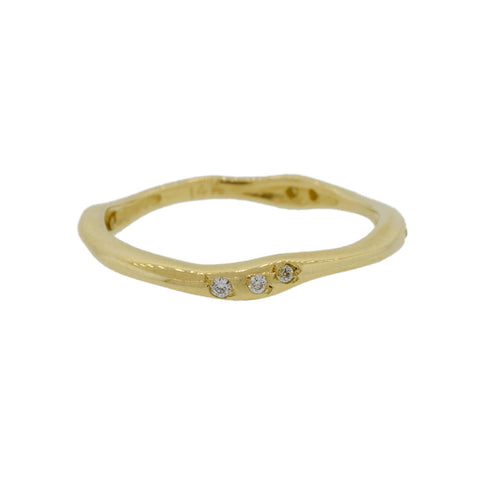 Wave Ring in Gold and Diamonds