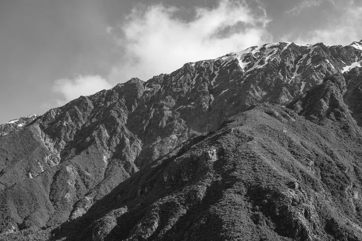 files/mountainside-in-black-and-white.jpg
