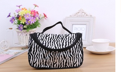 Korean version of the new fashion cosmetic bag Zebra bag portable cosmetics ingot package