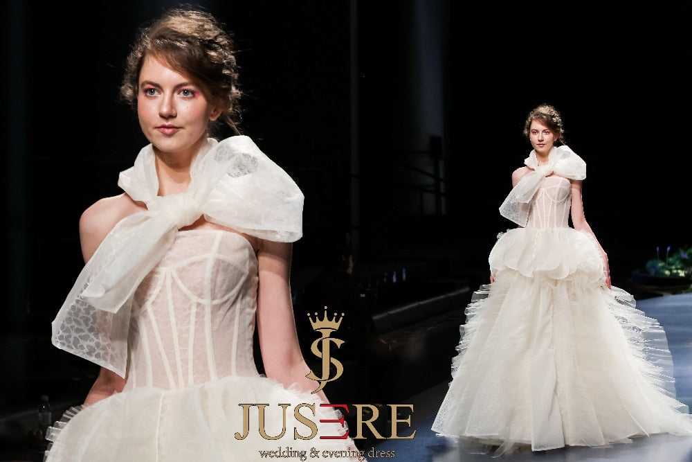 2019 SS FASHION SHOW Ivory Wedding Dress Embroidery Strapless Charming Illusion Bridal Gowns Sweep Train Robe De Mariage - Smoulder Products