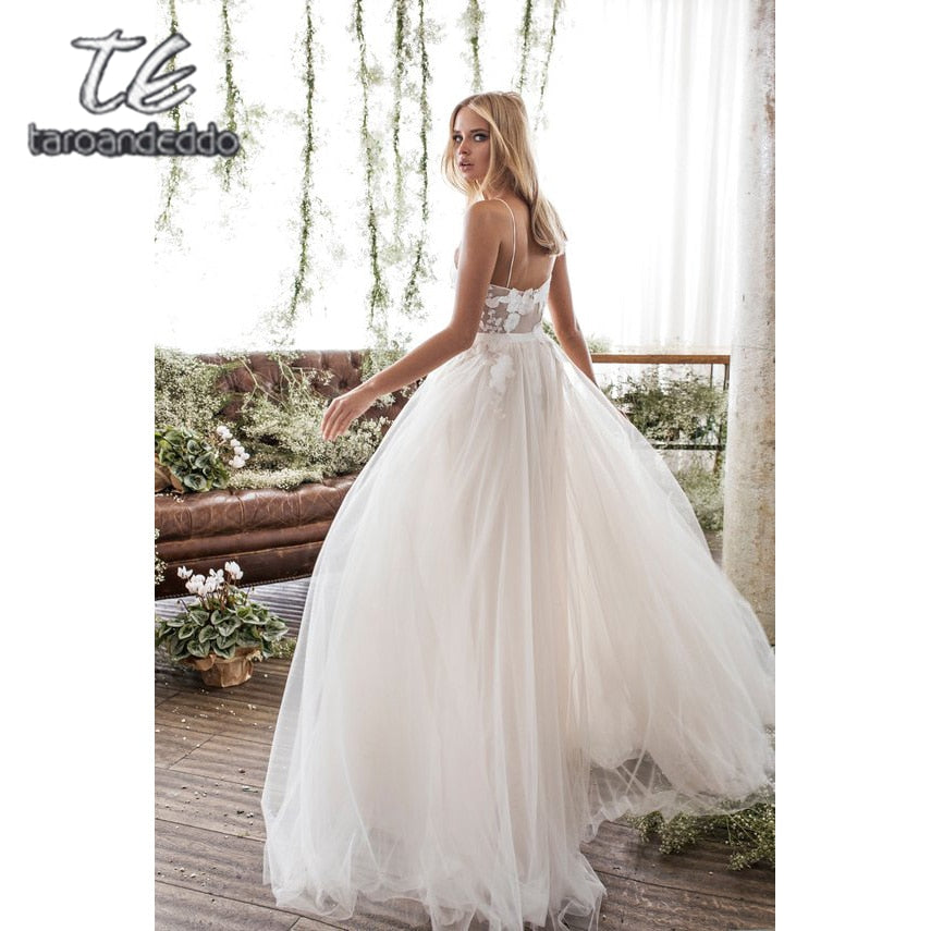 Spaghetti Straps Scoop Wedding Dress Sleeveless 3D Flower Lace Appliques Backless A Line Tulle Illusion Bridal Gown with Train - Smoulder Products