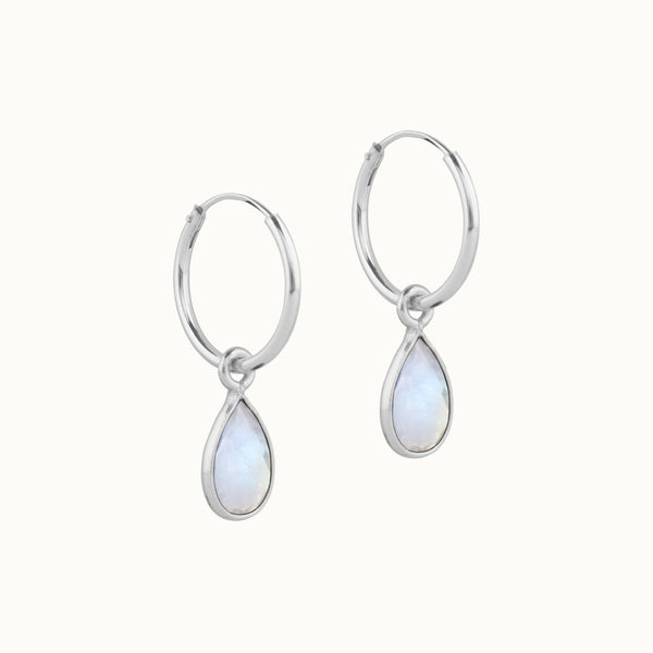 SOL DROPS Mondstein - small hoops Silber