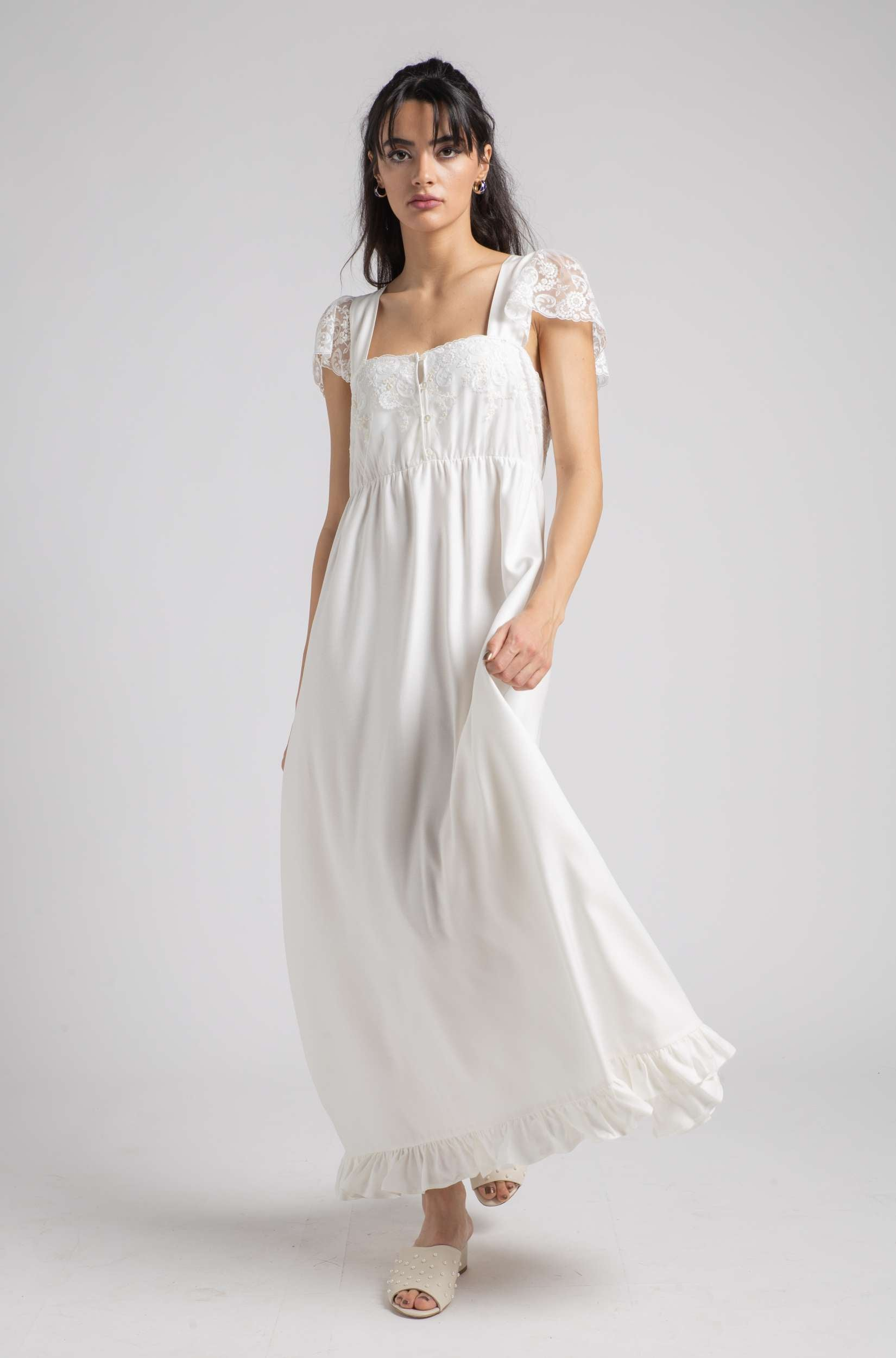 Wilma Nightie - Off White Ruffled Sunkissed