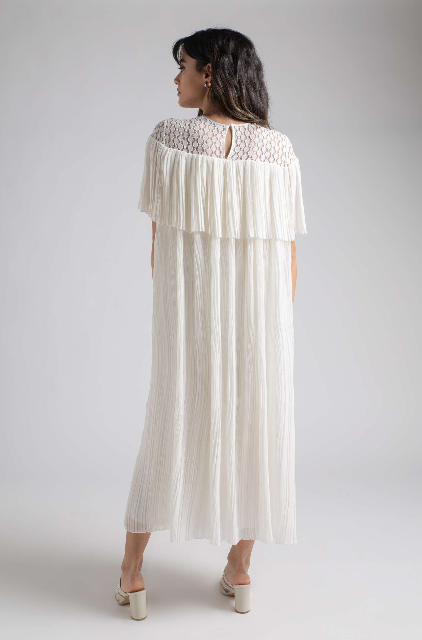 Nightgown - Off White Pleats
