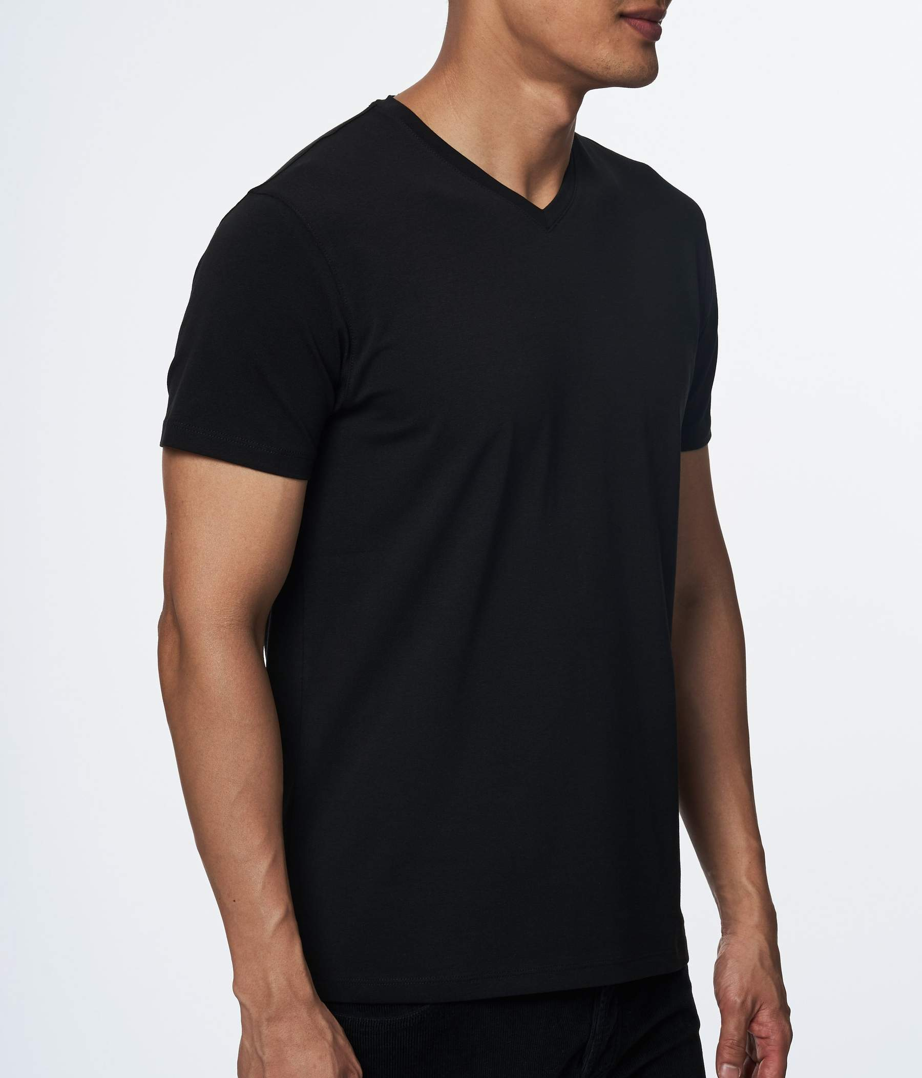 PIMA COTTON STRETCH V NECK black